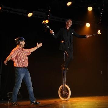 Acrobaties et numéros de cirque
